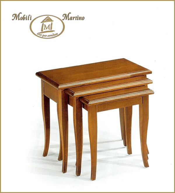 Tris di tavolini d 39 attesa per soggiorno classici in arte for Tavolini arte povera
